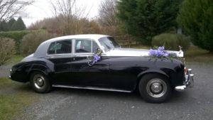 Prestige Cars Events - Fleurs violettes - Location voiture Mariage, Rolls, Normandie